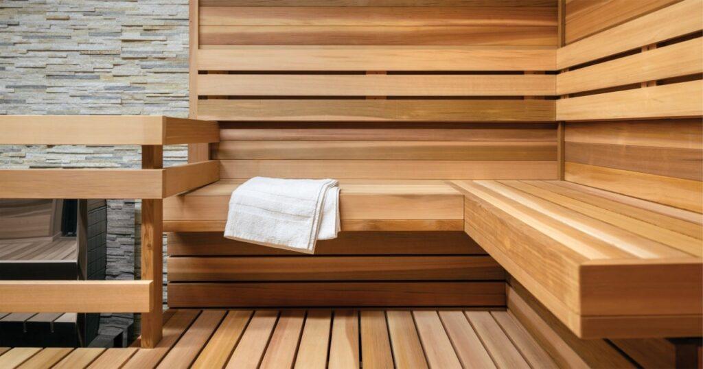 Нужен ли теплый пол в бане?
